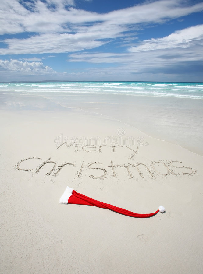 frohe weihnachten geschrieben auf einen tropischen strand. Black Bedroom Furniture Sets. Home Design Ideas