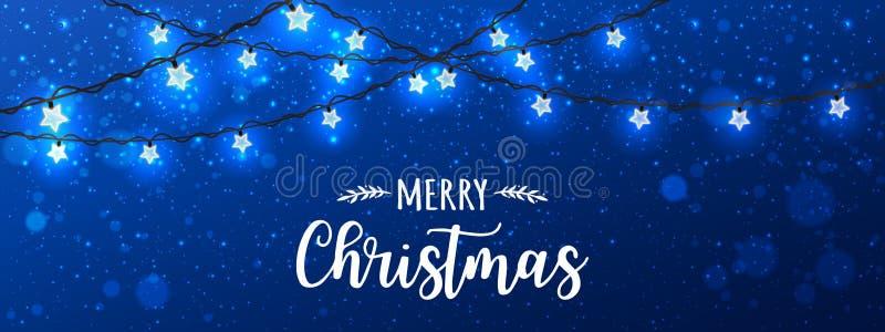 Frohe Weihnachten typografisch auf blauem Hintergrund mit glühenden weißen Girlanden Weihnachtsdekorationen, Licht, Sterne stock abbildung