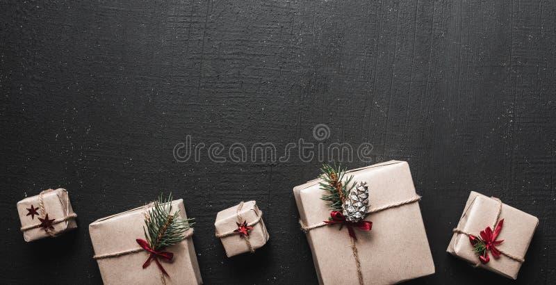 Frohe Weihnachten und frohe Feiertage! Verpackung des Geschenkhintergrundes stockfoto