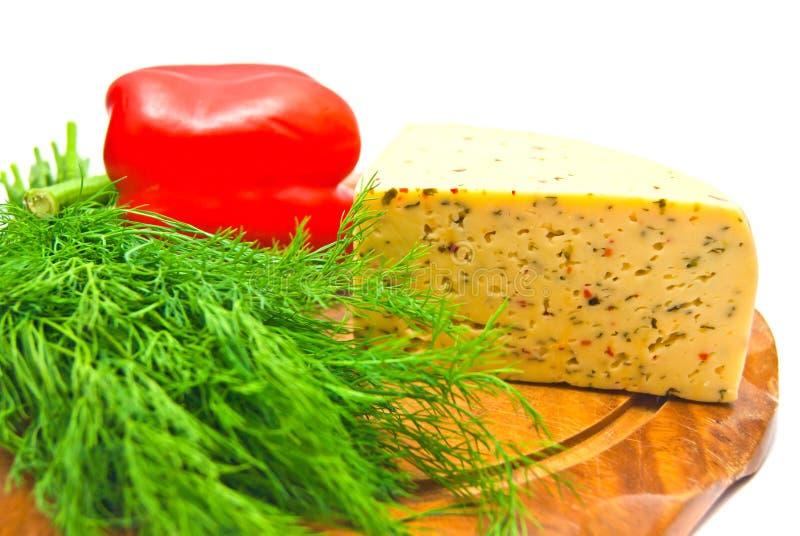 fromage avec le paprika sur le blanc image stock image du sain vert 24121243. Black Bedroom Furniture Sets. Home Design Ideas