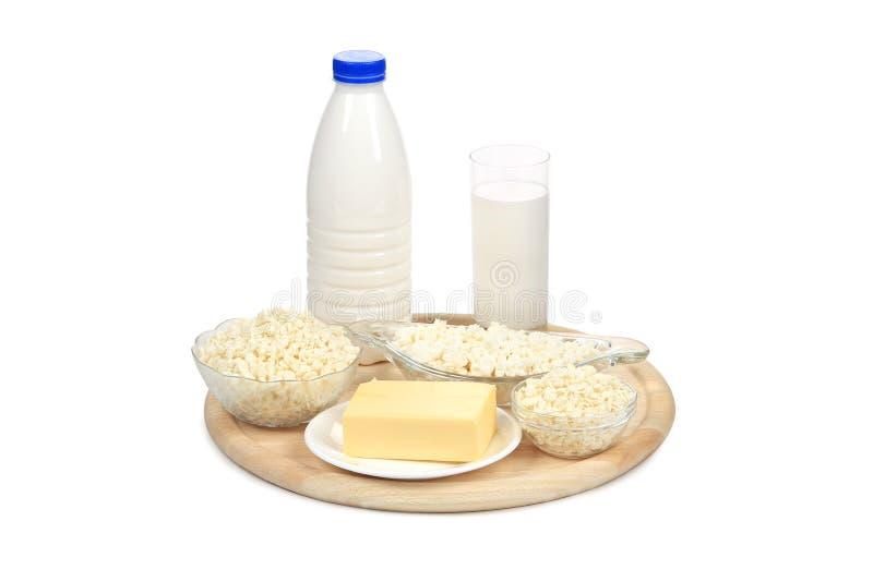 Fromage blanc et composition du lait sur le plateau photographie stock