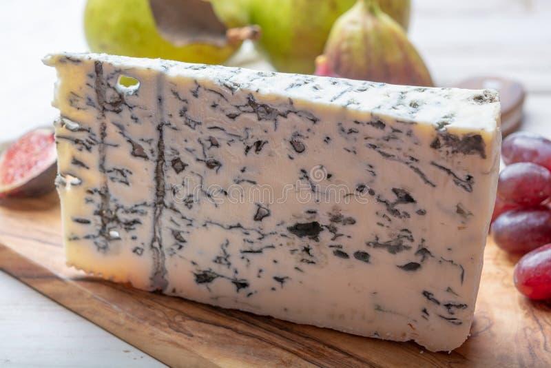 Fromage bleu italien picant de Gorgonzola, fait à partir du lait de vache unskimmed dans le nord de l'Italie image libre de droits