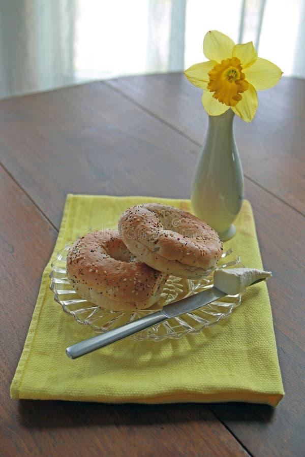 Fromage de bagel de petit déjeuner et fondu image libre de droits