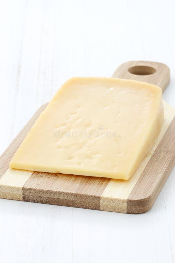 Fromage de cheddar âgé par gourmet photographie stock