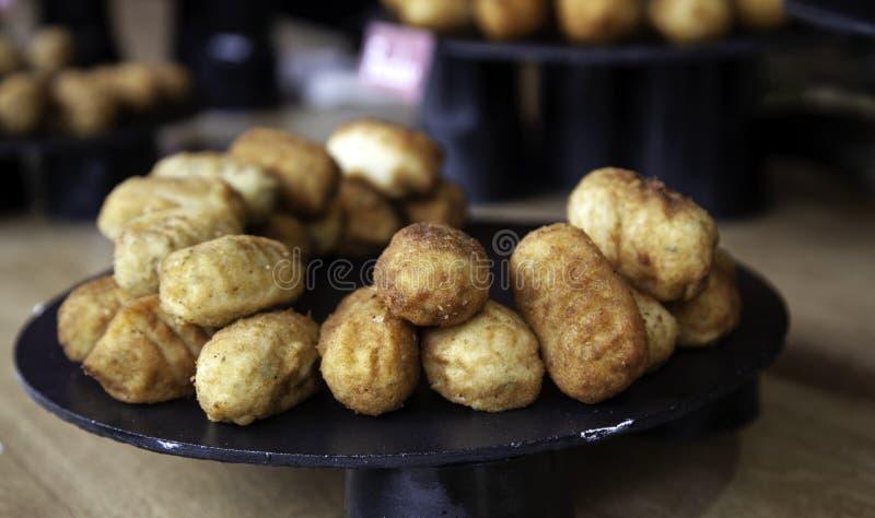 Fromage et croquette d'épices photographie stock libre de droits