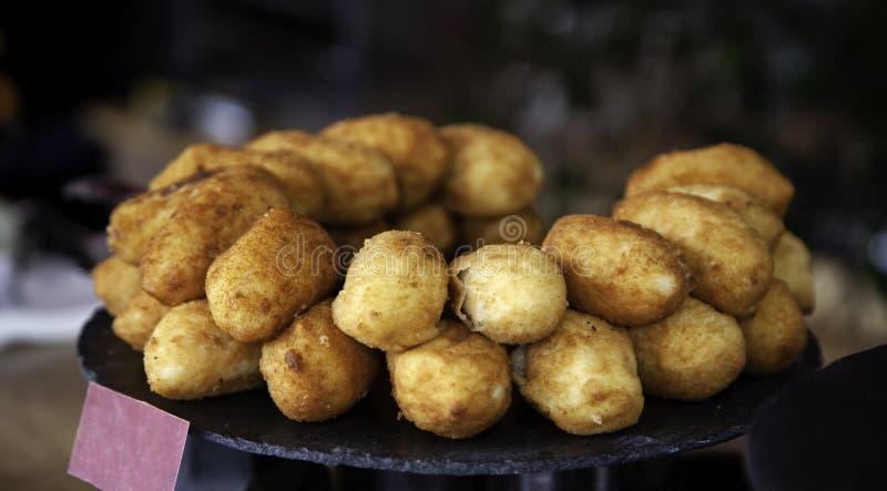 Fromage et croquette d'épices photos stock