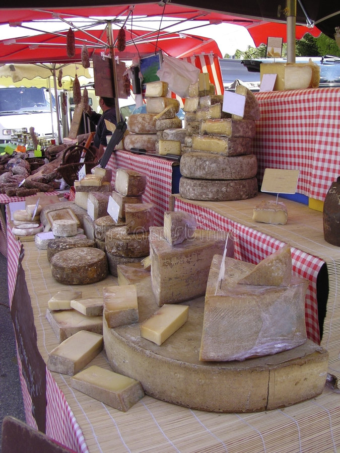 Fromage et saucisses image stock