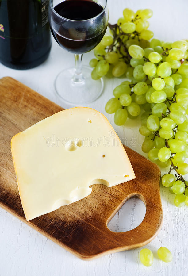 Fromage, vin et raisin photo stock