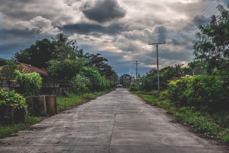 Fron unico di vista una strada a distanza fotografia stock