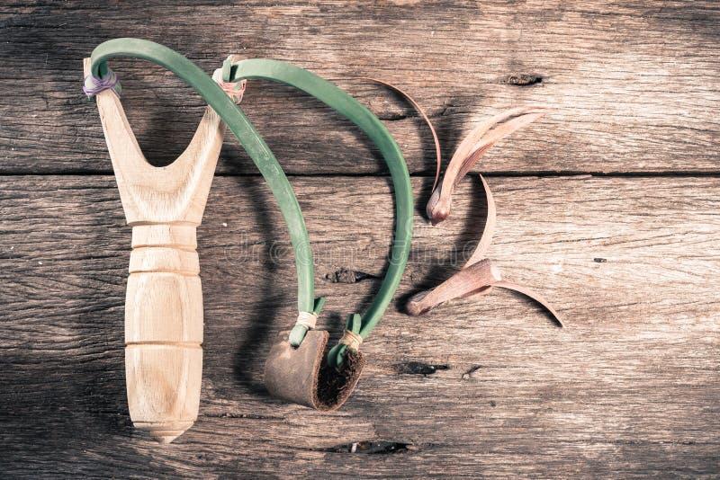 Fronde en bois de catapulte images stock