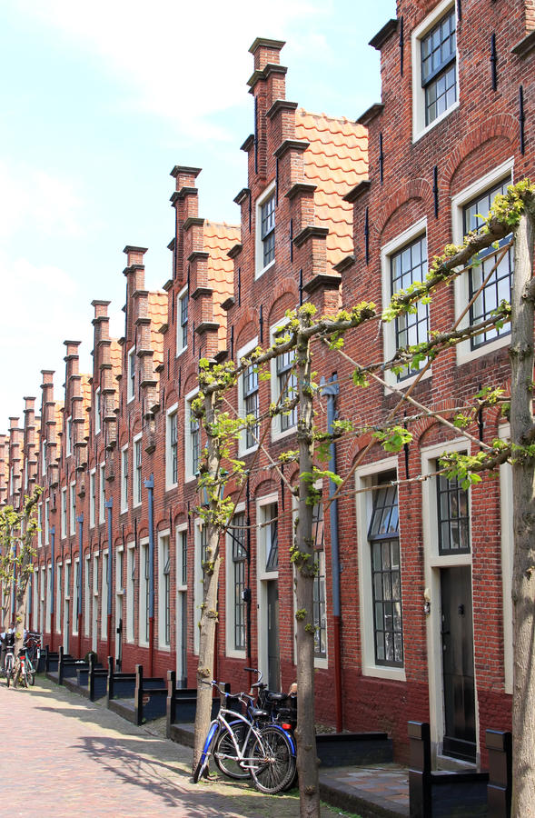 Frontões pisados em Haarlem, os Países Baixos imagens de stock