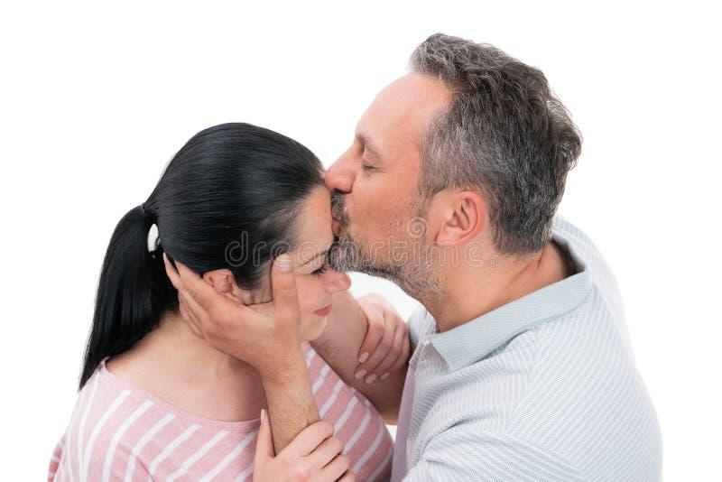 Front de baiser de femme d'homme images libres de droits
