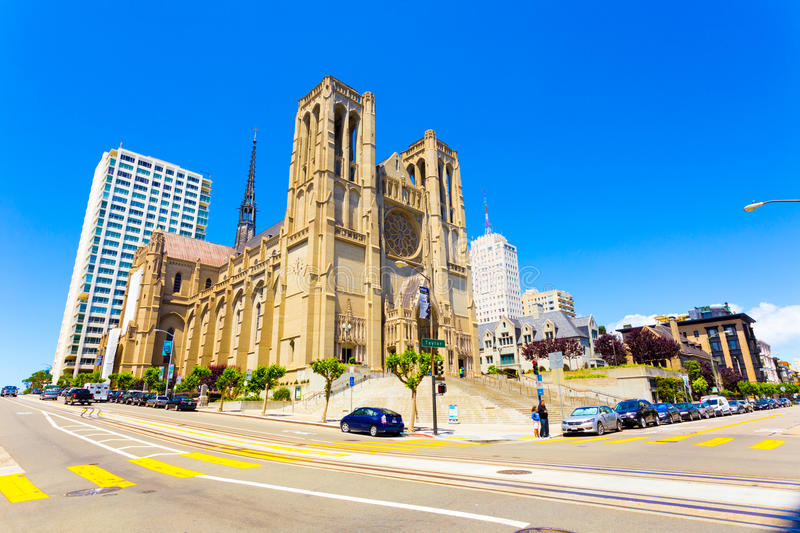 Front Grace Cathedral San Francisco Sunny-Tag stockfotografie