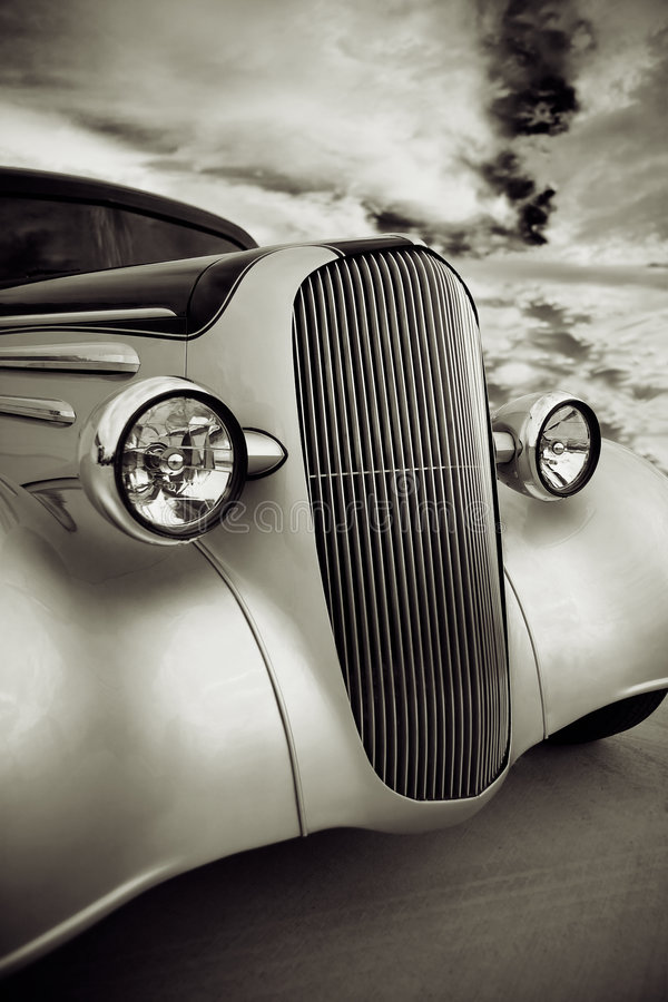 Free Front Grill Of Street Rod Royalty Free Stock Photos - 3404358