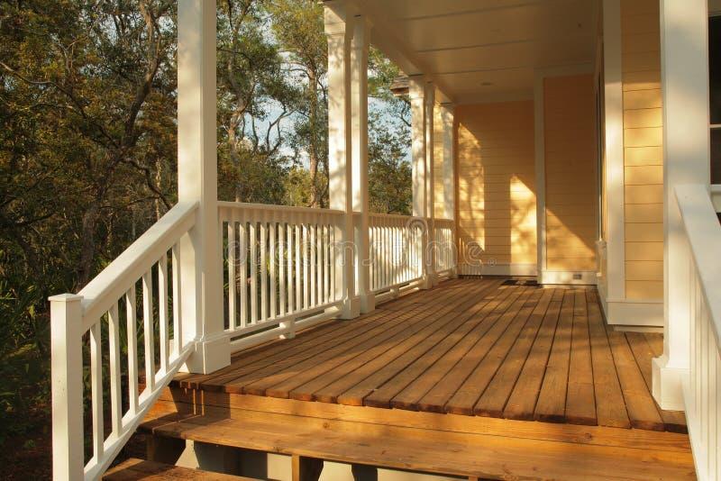Front Porch lizenzfreie stockbilder