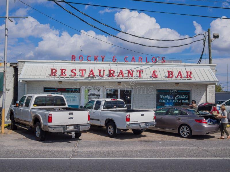 Front of Rocky & Carlo's Restaurant and Bar i Chalmette, Louisiana royaltyfri bild