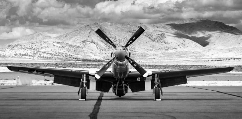 Front View av ett flygplan för mustang P-51 arkivbilder