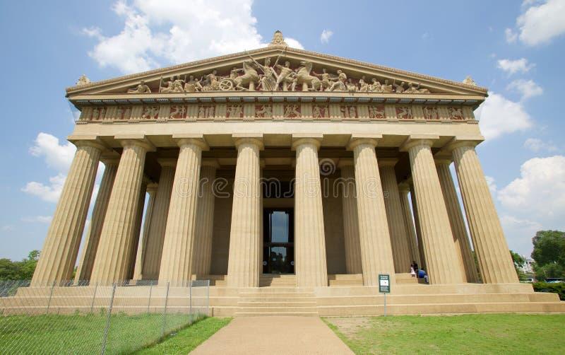 Front View av parthenonen i hundraårsjubileum parkerar, Nashville TN fotografering för bildbyråer