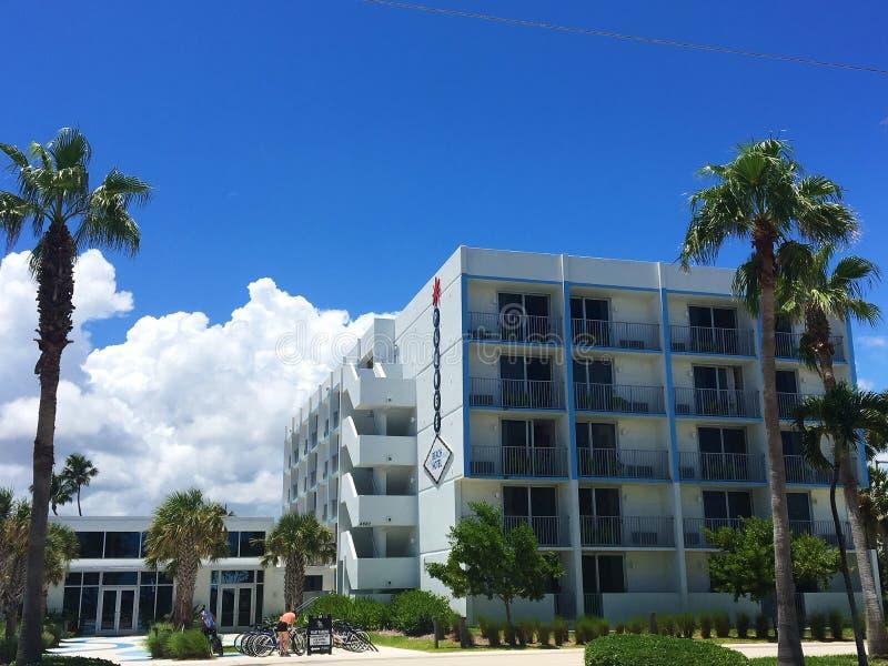Front View de l'hôtel de plongeon dans Lauderdale par la plage images libres de droits
