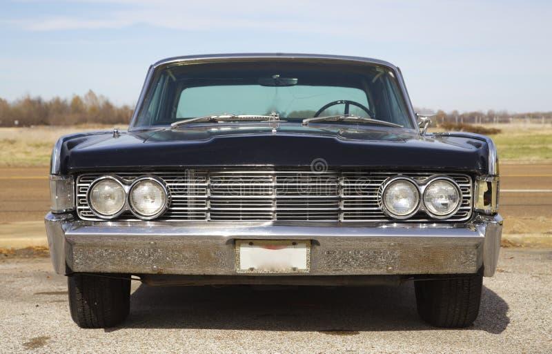 Front View de Lincoln Continental antiguo clásico imagenes de archivo