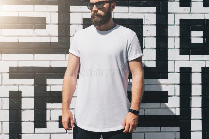 Visage Des Lunettes De Soleil Ancien Homme T-Shirt e0hI5SIn