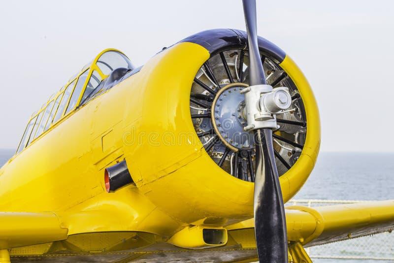 Front View van Oud Vliegtuig royalty-vrije stock afbeelding