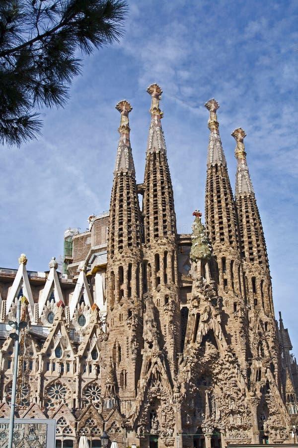 Front von Sagrada Familia stockbilder