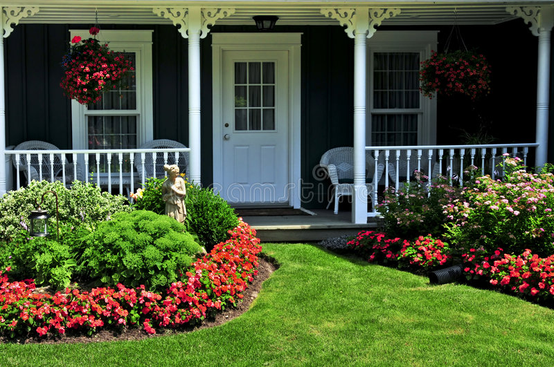 Download Front Yard Of A House Stock Image - Image: 6191611