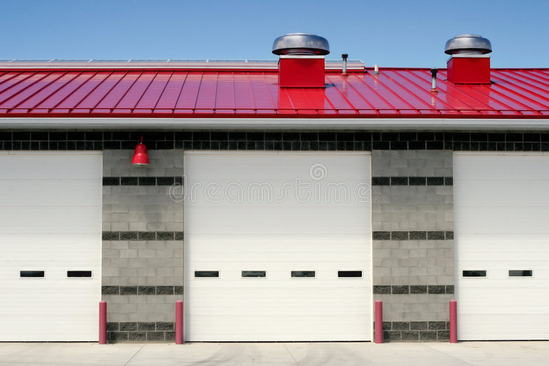 Frontal della caserma dei pompieri fotografia stock libera da diritti
