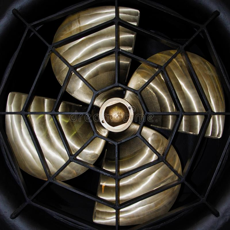 Frontal för skepppropellercloseup royaltyfria bilder