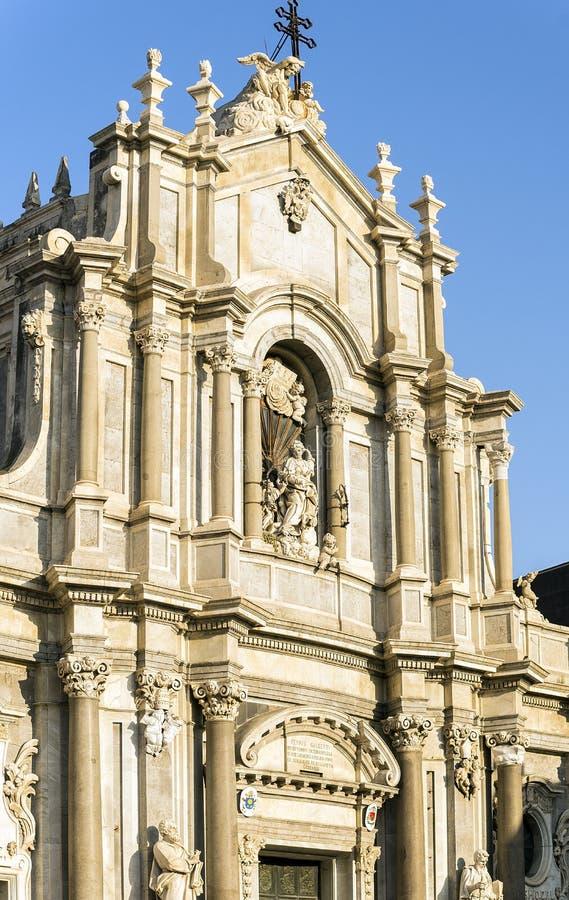 Frontale Fassade der Stadtkathedrale des Heiligen Agatha in Catania, Sizilien lizenzfreies stockfoto