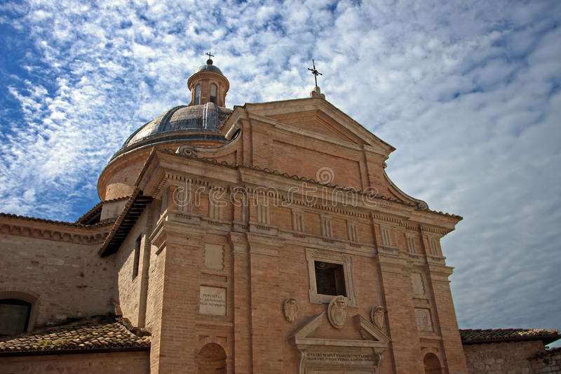Frontale mening van de kerk van Assisi royalty-vrije stock afbeelding
