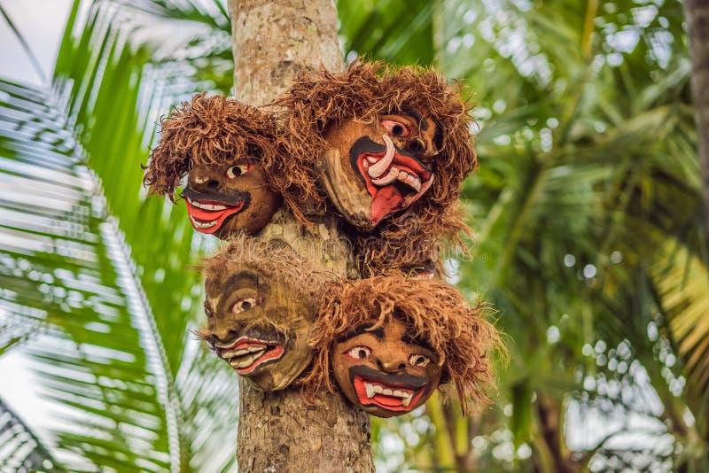 Frontansicht von Barong, L?we ?hnlicher Gesch?pfcharakter in der Mythologie von Bali, Indonesien stockfotos