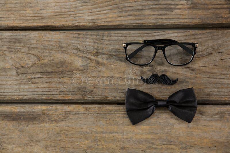 Fronte antropomorfico nero sulla tavola fotografia stock