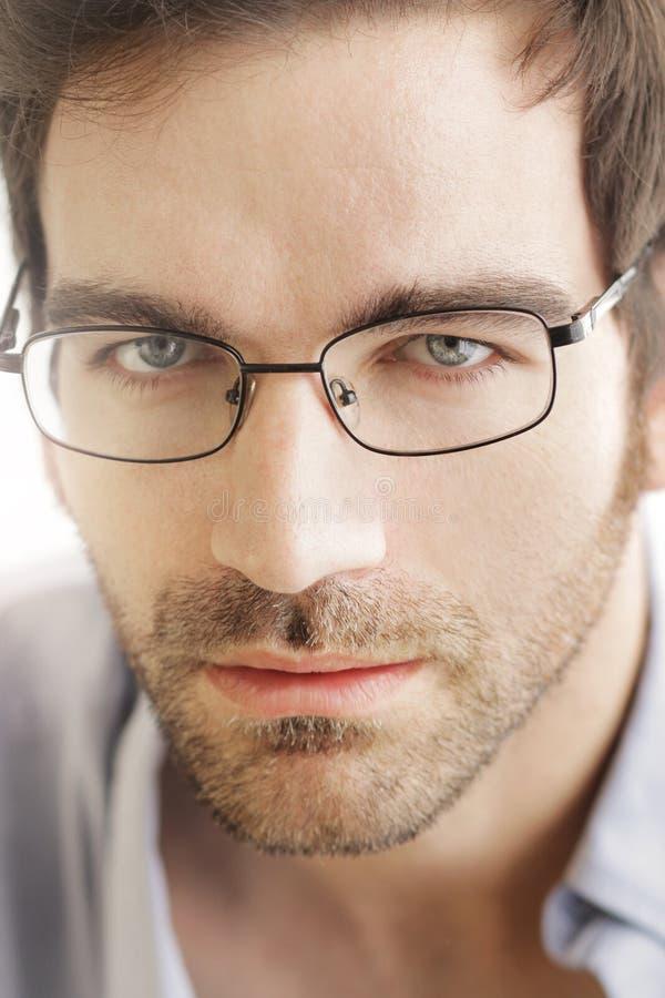 Fronte dell'uomo con i vetri fotografia stock libera da diritti