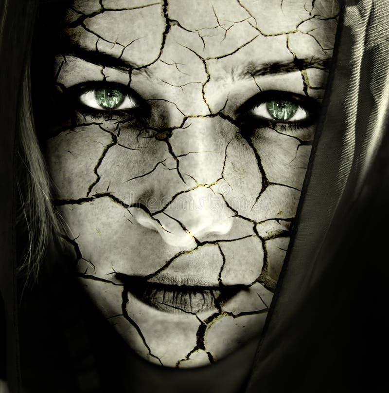 Fronte della donna con pelle incrinata fotografie stock