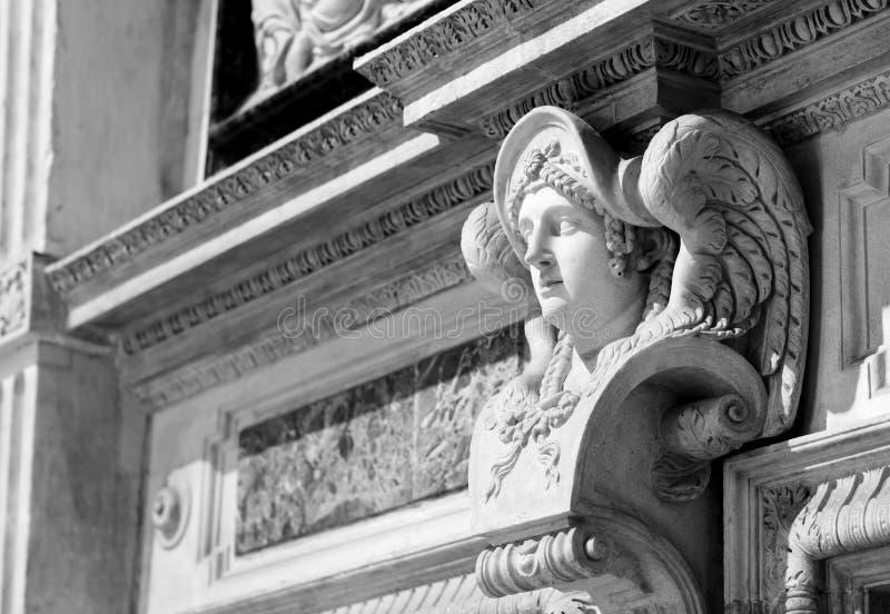 Fronte di angelo in marmo fotografia stock