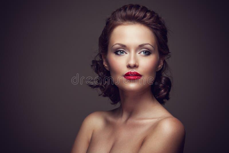 Fronte di bella donna sexy del brunette fotografia stock