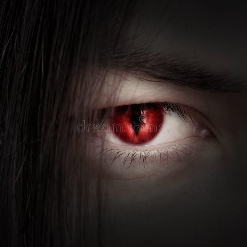 Fronte di giovane fine maschio del vampiro su immagine stock libera da diritti