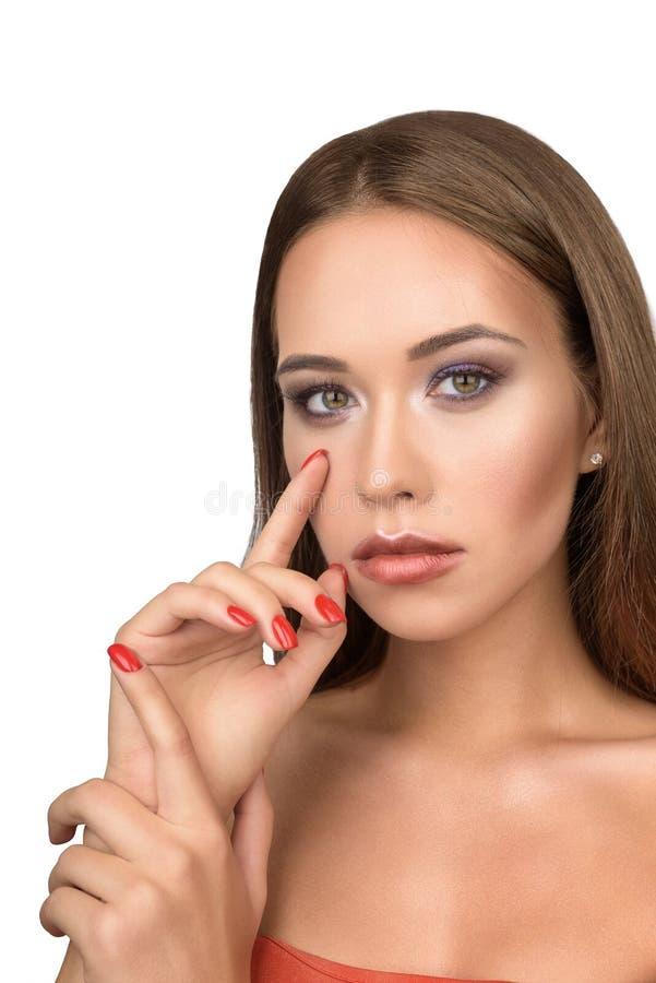 Fronte di modello sexy della ragazza con trucco di sera immagini stock libere da diritti