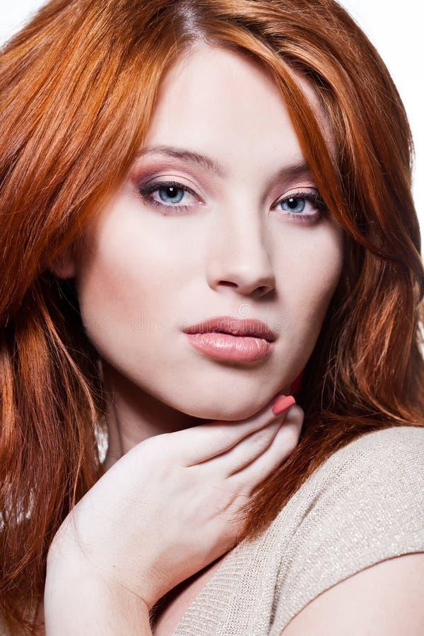 Fronte di una ragazza sexy di redhead fotografia stock libera da diritti