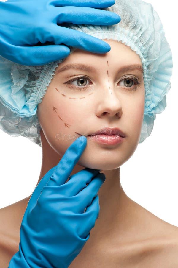 Fronte femminile prima del funzionamento della chirurgia plastica immagine stock