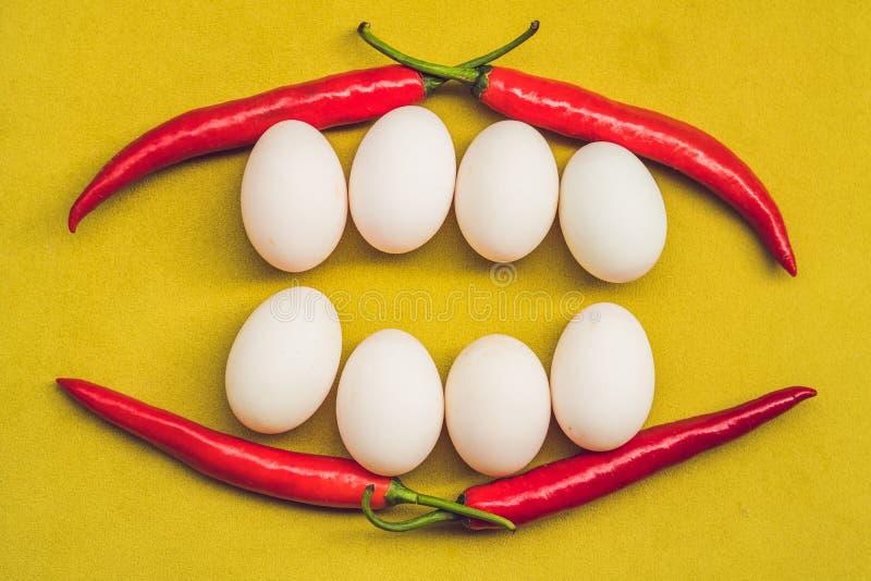 Fronte sorridente sano dell'alimento Concetto dell'alimento di prima colazione, concetto felice di pasqua Denti bianchi di sorris immagine stock