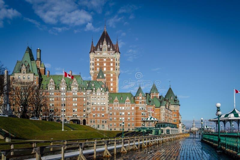 Frontenac Castle και πεζούλι Dufferin - πόλη του Κεμπέκ, Κεμπέκ, Καναδάς στοκ εικόνα