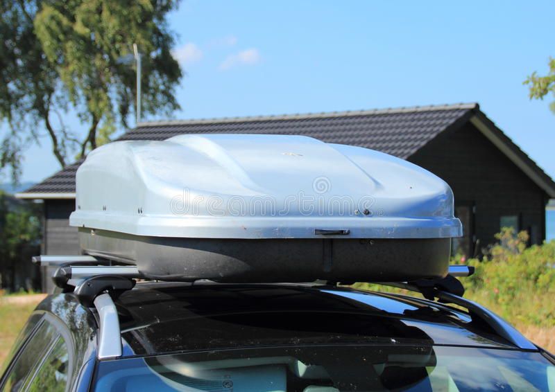 Frontend da caixa do telhado no carro imagens de stock