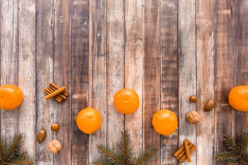 Frontera de la Navidad con las clementinas fotos de archivo libres de regalías