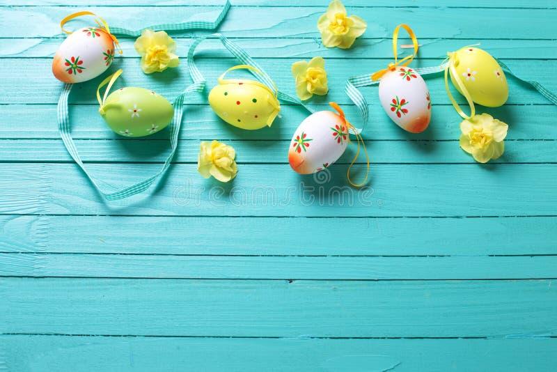 Frontera de los huevos de Pascua decorativos, foto de archivo libre de regalías