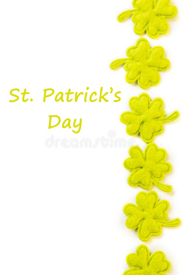 Frontière de côté de jour de St Patricks des oxalidex petite oseille de tissu d'isolement sur le blanc images libres de droits