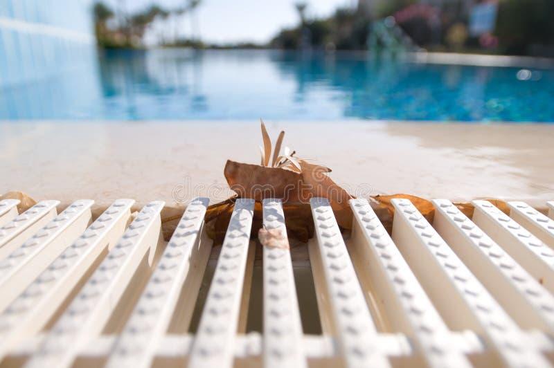 Frontière de la piscine images stock