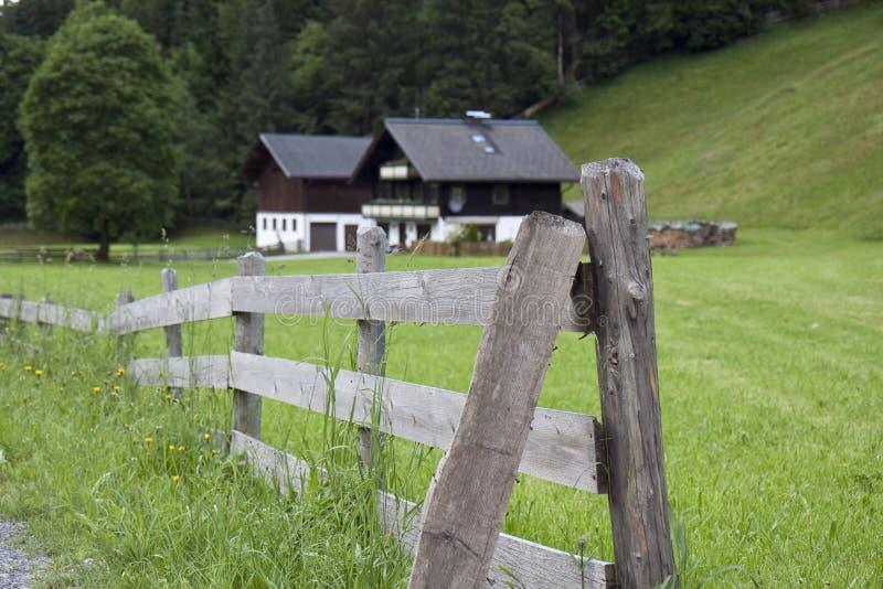 Frontière de sécurité dans les Alpes photographie stock libre de droits